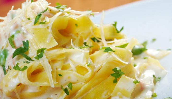 Fettuccine Alfredo | DiCicco's Colorado Italian Restaurant